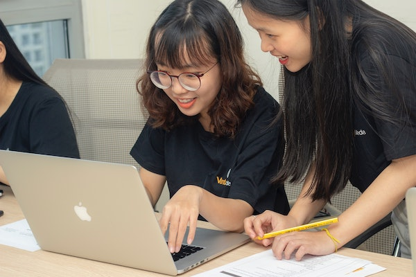 Humanizing Online Education Through Technology and Community